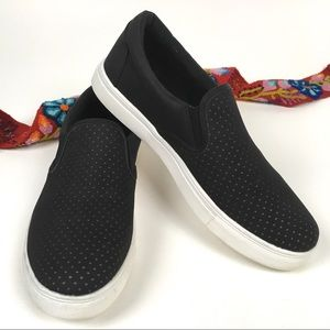 Seven7 Gemini Slip-on Black Sneaker Perforated 10